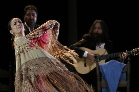 "Jueves Flamencos de la Fundación Cajasol: Isabel Bayón (41) • <a style=""font-size:0.8em;"" href=""http://www.flickr.com/photos/129072575@N05/34611955015/"" target=""_blank"">View on Flickr</a>"
