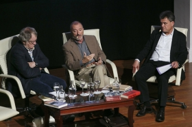 "Letras en Sevilla: Mesa redonda sobre hispanistas (7) • <a style=""font-size:0.8em;"" href=""http://www.flickr.com/photos/129072575@N05/34566957742/"" target=""_blank"">View on Flickr</a>"