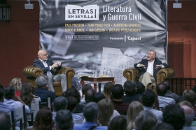 "Letras en Sevilla: Arturo Pérez-Reverte (17) • <a style=""font-size:0.8em;"" href=""http://www.flickr.com/photos/129072575@N05/34649510426/"" target=""_blank"">View on Flickr</a>"