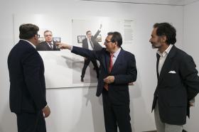 "Exposición World Press Photo 2017 en la Fundación Cajasol • <a style=""font-size:0.8em;"" href=""http://www.flickr.com/photos/129072575@N05/34402399785/"" target=""_blank"">View on Flickr</a>"