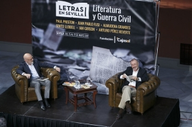 "Letras en Sevilla: Arturo Pérez-Reverte (11) • <a style=""font-size:0.8em;"" href=""http://www.flickr.com/photos/129072575@N05/34305119060/"" target=""_blank"">View on Flickr</a>"
