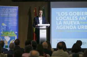 """Jornada 'Los Gobiernos Locales ante la Nueva Agenda Urbana' en la Fundación Cajasol (6) • <a style=""""font-size:0.8em;"""" href=""""http://www.flickr.com/photos/129072575@N05/34738117152/"""" target=""""_blank"""">View on Flickr</a>"""