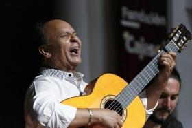 "Jueves Flamencos de la Fundación Cajasol: Manuel Moreno 'El Pele' (28) • <a style=""font-size:0.8em;"" href=""http://www.flickr.com/photos/129072575@N05/34383945653/"" target=""_blank"">View on Flickr</a>"