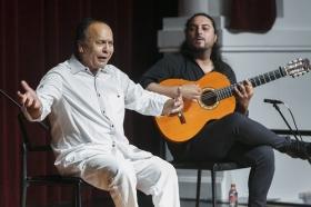 "Jueves Flamencos de la Fundación Cajasol: Manuel Moreno 'El Pele' (36) • <a style=""font-size:0.8em;"" href=""http://www.flickr.com/photos/129072575@N05/35153182346/"" target=""_blank"">View on Flickr</a>"