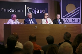 "Foro Andaluz Nueva Sociedad: 'Cataluña en la encrucijada' (16) • <a style=""font-size:0.8em;"" href=""http://www.flickr.com/photos/129072575@N05/35313201781/"" target=""_blank"">View on Flickr</a>"