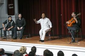 "Jueves Flamencos de la Fundación Cajasol: Manuel Moreno 'El Pele' (19) • <a style=""font-size:0.8em;"" href=""http://www.flickr.com/photos/129072575@N05/35153181176/"" target=""_blank"">View on Flickr</a>"