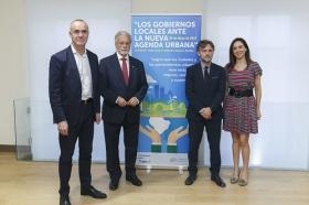 """Jornada 'Los Gobiernos Locales ante la Nueva Agenda Urbana' en la Fundación Cajasol • <a style=""""font-size:0.8em;"""" href=""""http://www.flickr.com/photos/129072575@N05/34738116362/"""" target=""""_blank"""">View on Flickr</a>"""