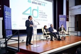 """Encuentros de la SER 40 años del 4-D en la Fundación Cajasol: Soraya Sáenz de Santa María y Juan Manuel Moreno (11) • <a style=""""font-size:0.8em;"""" href=""""http://www.flickr.com/photos/129072575@N05/26763351039/"""" target=""""_blank"""">View on Flickr</a>"""