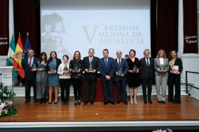 """Entrega de los V Premios Menina en la Fundación Cajasol (2) • <a style=""""font-size:0.8em;"""" href=""""http://www.flickr.com/photos/129072575@N05/38550014092/"""" target=""""_blank"""">View on Flickr</a>"""