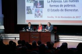 "Conferencia del Padre Ángel en la Fundación Cajasol (11) • <a style=""font-size:0.8em;"" href=""http://www.flickr.com/photos/129072575@N05/26664529219/"" target=""_blank"">View on Flickr</a>"