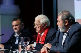 "Conferencia del Padre Ángel en la Fundación Cajasol (8) • <a style=""font-size:0.8em;"" href=""http://www.flickr.com/photos/129072575@N05/38385080946/"" target=""_blank"">View on Flickr</a>"