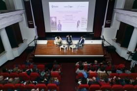 """Presentación de Premio Planeta 2017 y obra finalista en Fundación Cajasol (5) • <a style=""""font-size:0.8em;"""" href=""""http://www.flickr.com/photos/129072575@N05/24847792288/"""" target=""""_blank"""">View on Flickr</a>"""
