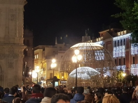 "Inauguración de 'Alumbra Sevilla 2017' en Plaza de San Francisco (Sevilla) (5) • <a style=""font-size:0.8em;"" href=""http://www.flickr.com/photos/129072575@N05/24972994948/"" target=""_blank"">View on Flickr</a>"