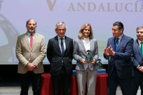 """Entrega de los V Premios Menina en la Fundación Cajasol (18) • <a style=""""font-size:0.8em;"""" href=""""http://www.flickr.com/photos/129072575@N05/38550018432/"""" target=""""_blank"""">View on Flickr</a>"""