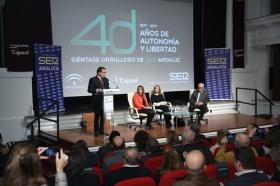 """Los Encuentros de la SER '40 años del 4-D': Susana Díaz y Rafael Escuredo (15) • <a style=""""font-size:0.8em;"""" href=""""http://www.flickr.com/photos/129072575@N05/24954359938/"""" target=""""_blank"""">View on Flickr</a>"""
