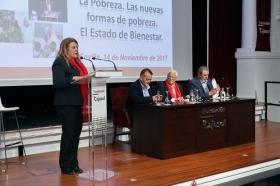 "Conferencia del Padre Ángel en la Fundación Cajasol (15) • <a style=""font-size:0.8em;"" href=""http://www.flickr.com/photos/129072575@N05/38385083466/"" target=""_blank"">View on Flickr</a>"