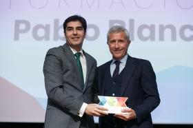 """Entrega de los I Premios DEX en la Fundación Cajasol (7) • <a style=""""font-size:0.8em;"""" href=""""http://www.flickr.com/photos/129072575@N05/24185695497/"""" target=""""_blank"""">View on Flickr</a>"""