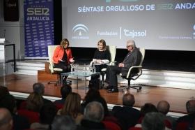 """Los Encuentros de la SER '40 años del 4-D': Susana Díaz y Rafael Escuredo (8) • <a style=""""font-size:0.8em;"""" href=""""http://www.flickr.com/photos/129072575@N05/37940532685/"""" target=""""_blank"""">View on Flickr</a>"""