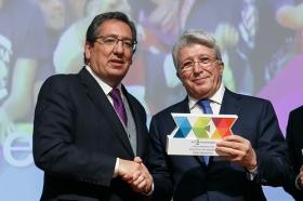 """Entrega de los I Premios DEX en la Fundación Cajasol (2) • <a style=""""font-size:0.8em;"""" href=""""http://www.flickr.com/photos/129072575@N05/38165226275/"""" target=""""_blank"""">View on Flickr</a>"""