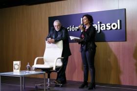 """Presentación del libro 'Cuentos clásicos para conocerse mejor', de Jorge Bucay (10) • <a style=""""font-size:0.8em;"""" href=""""http://www.flickr.com/photos/129072575@N05/38249807096/"""" target=""""_blank"""">View on Flickr</a>"""
