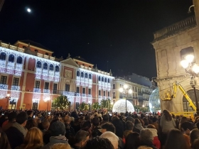 "Inauguración de 'Alumbra Sevilla 2017' en Plaza de San Francisco (Sevilla) (4) • <a style=""font-size:0.8em;"" href=""http://www.flickr.com/photos/129072575@N05/38845318371/"" target=""_blank"">View on Flickr</a>"