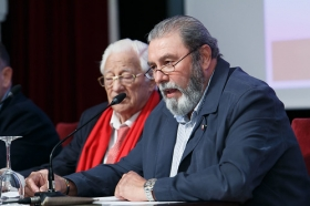 "Conferencia del Padre Ángel en la Fundación Cajasol (13) • <a style=""font-size:0.8em;"" href=""http://www.flickr.com/photos/129072575@N05/26664529669/"" target=""_blank"">View on Flickr</a>"