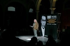 "Letras en Sevilla: 'Chaves Nogales, una tragedia española' con Juan Echanove (4) • <a style=""font-size:0.8em;"" href=""http://www.flickr.com/photos/129072575@N05/24359454558/"" target=""_blank"">View on Flickr</a>"