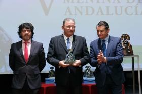 """Entrega de los V Premios Menina en la Fundación Cajasol (23) • <a style=""""font-size:0.8em;"""" href=""""http://www.flickr.com/photos/129072575@N05/24710093508/"""" target=""""_blank"""">View on Flickr</a>"""