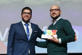 """Entrega de los I Premios DEX en la Fundación Cajasol (9) • <a style=""""font-size:0.8em;"""" href=""""http://www.flickr.com/photos/129072575@N05/38165224595/"""" target=""""_blank"""">View on Flickr</a>"""