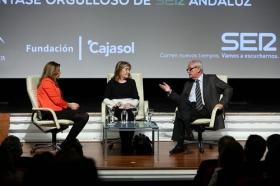 """Los Encuentros de la SER '40 años del 4-D': Susana Díaz y Rafael Escuredo (5) • <a style=""""font-size:0.8em;"""" href=""""http://www.flickr.com/photos/129072575@N05/24954359278/"""" target=""""_blank"""">View on Flickr</a>"""