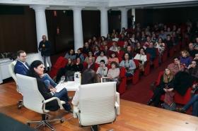 """Presentación de Premio Planeta 2017 y obra finalista en Fundación Cajasol (7) • <a style=""""font-size:0.8em;"""" href=""""http://www.flickr.com/photos/129072575@N05/24847792938/"""" target=""""_blank"""">View on Flickr</a>"""