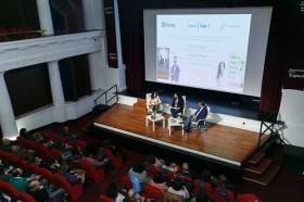 """Presentación de Premio Planeta 2017 y obra finalista en Fundación Cajasol (6) • <a style=""""font-size:0.8em;"""" href=""""http://www.flickr.com/photos/129072575@N05/24847792648/"""" target=""""_blank"""">View on Flickr</a>"""