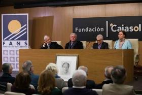 """Homenaje del Foro Andaluz Nueva Sociedad a la figura de Arturo Moya en la Fundación Cajasol (7) • <a style=""""font-size:0.8em;"""" href=""""http://www.flickr.com/photos/129072575@N05/25180105118/"""" target=""""_blank"""">View on Flickr</a>"""