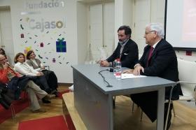"""Conferencia de Antonio Basanta 'Las claves ocultas del Belén' en la Fundación Cajasol (7) • <a style=""""font-size:0.8em;"""" href=""""http://www.flickr.com/photos/129072575@N05/38185623185/"""" target=""""_blank"""">View on Flickr</a>"""