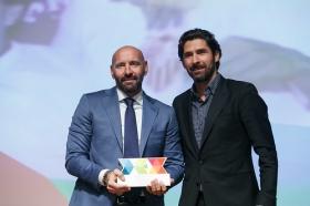 """Entrega de los I Premios DEX en la Fundación Cajasol (13) • <a style=""""font-size:0.8em;"""" href=""""http://www.flickr.com/photos/129072575@N05/38165223065/"""" target=""""_blank"""">View on Flickr</a>"""