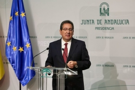 """Presentación del documental 'Un ideal andaluz' (7) • <a style=""""font-size:0.8em;"""" href=""""http://www.flickr.com/photos/129072575@N05/25830438938/"""" target=""""_blank"""">View on Flickr</a>"""