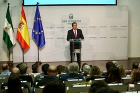 """Presentación del documental 'Un ideal andaluz' (6) • <a style=""""font-size:0.8em;"""" href=""""http://www.flickr.com/photos/129072575@N05/38993469944/"""" target=""""_blank"""">View on Flickr</a>"""
