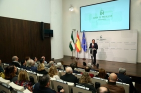 """Presentación del documental 'Un ideal andaluz' (2) • <a style=""""font-size:0.8em;"""" href=""""http://www.flickr.com/photos/129072575@N05/38993469654/"""" target=""""_blank"""">View on Flickr</a>"""