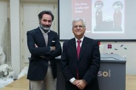 """Conferencia de Antonio Basanta 'Las claves ocultas del Belén' en la Fundación Cajasol • <a style=""""font-size:0.8em;"""" href=""""http://www.flickr.com/photos/129072575@N05/27289908319/"""" target=""""_blank"""">View on Flickr</a>"""