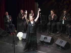 "Jueves Flamencos 2017: Zambomba flamenca 'La Plazuela de Jerez' (9) • <a style=""font-size:0.8em;"" href=""http://www.flickr.com/photos/129072575@N05/38466362024/"" target=""_blank"">View on Flickr</a>"