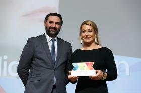 """Entrega de los I Premios DEX en la Fundación Cajasol (15) • <a style=""""font-size:0.8em;"""" href=""""http://www.flickr.com/photos/129072575@N05/38165222325/"""" target=""""_blank"""">View on Flickr</a>"""