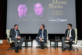 """Mano a Mano en la Fundación Cajasol: Tomás Campuzano y Rafael Cremades (4) • <a style=""""font-size:0.8em;"""" href=""""http://www.flickr.com/photos/129072575@N05/27960773079/"""" target=""""_blank"""">View on Flickr</a>"""