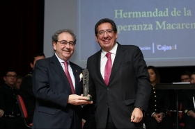 """Entrega de los Premios Gota a Gota de Pasión 2018 en la Fundación Cajasol (4) • <a style=""""font-size:0.8em;"""" href=""""http://www.flickr.com/photos/129072575@N05/40752850392/"""" target=""""_blank"""">View on Flickr</a>"""
