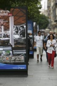 """Exposición 'Como el Puerto de Sevilla, ninguno', en la Avenida de la Constitución (8) • <a style=""""font-size:0.8em;"""" href=""""http://www.flickr.com/photos/129072575@N05/29889682570/"""" target=""""_blank"""">View on Flickr</a>"""