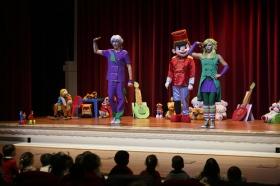 """Espectáculo educativo 'Los Ju' en la Fundación Cajasol • <a style=""""font-size:0.8em;"""" href=""""http://www.flickr.com/photos/129072575@N05/30548722843/"""" target=""""_blank"""">View on Flickr</a>"""