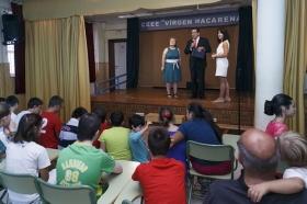 """Visita de la Fundación Cajasol al colegio de Educación Especial de la Macarena (12) • <a style=""""font-size:0.8em;"""" href=""""http://www.flickr.com/photos/129072575@N05/21944988009/"""" target=""""_blank"""">View on Flickr</a>"""