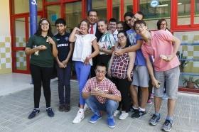 """Visita de la Fundación Cajasol al colegio de Educación Especial de la Macarena (8) • <a style=""""font-size:0.8em;"""" href=""""http://www.flickr.com/photos/129072575@N05/21510794133/"""" target=""""_blank"""">View on Flickr</a>"""