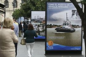 """Exposición 'Como el Puerto de Sevilla, ninguno', en la Avenida de la Constitución (5) • <a style=""""font-size:0.8em;"""" href=""""http://www.flickr.com/photos/129072575@N05/30185225555/"""" target=""""_blank"""">View on Flickr</a>"""