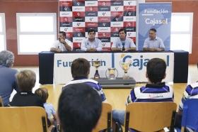 "Presentación del Ciencias Rugby Fundación Cajasol 2015/2016 (7) • <a style=""font-size:0.8em;"" href=""http://www.flickr.com/photos/129072575@N05/21104045358/"" target=""_blank"">View on Flickr</a>"