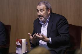 """Presentación del libro 'El día que el triunfo alcancemos', escrito por José Andrés Torres Mora (13) • <a style=""""font-size:0.8em;"""" href=""""http://www.flickr.com/photos/129072575@N05/22930340949/"""" target=""""_blank"""">View on Flickr</a>"""
